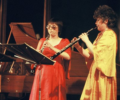 photo of (L to R) Sandra Mackay (oboe d'amore) and Catherine Smith (oboe)